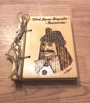 Agenda din lemn pirogravata cu Vlad Tepes - Dracula - model 2