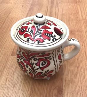 Cana miere din ceramica traditionala - rosu cu negru- 10,5 cm