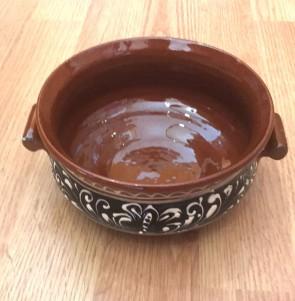 Bol-castron-strachina din ceramica traditionala - maro cu negru- 15 cm -model1