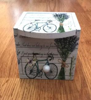 Cutie bijuterii din lemn - alba-cu un sertar -model bicicleta lavanda