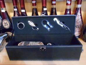 Cutie vin din lemn cu piele ecologica - cu accesorii