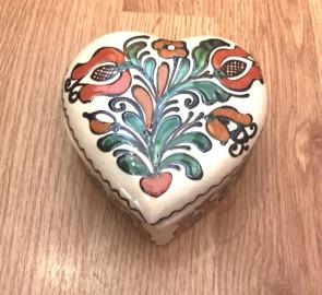 Bonboniera inima din ceramica traditionala - rosu cu verde- 11x11 cm