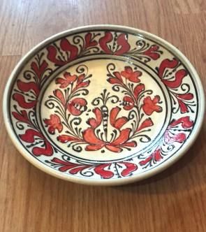 Farfurie din ceramica traditionala  -20 cm- rosu cu negru- model 2