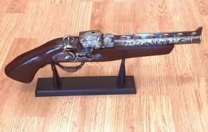 Decoratiune flinta - bricheta, 41cm
