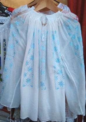 Iie traditionala lucrata manual - broderie matase albastru deschis- produs romanesc