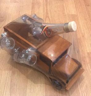 Minibar camion -  cu sticla simpla si 6 halbute din sticla