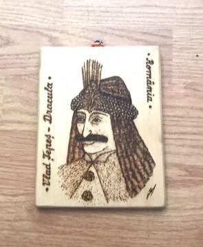 Placheta din lemn pirogravata cu Vlad Tepes - Dracula - tip 1