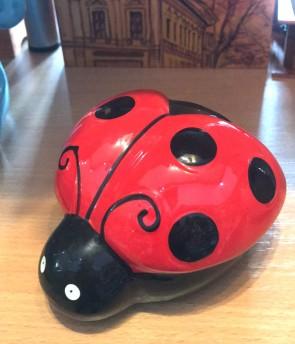 Jucarie - pusculita din ceramica -buburuza - model 2