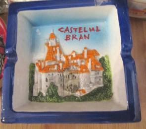 Scrumiera ceramica suvenir -in relief - Castelul Bran-10,5cm- varianta portocaliu cu albastru