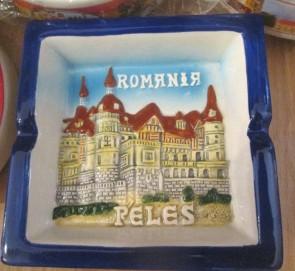 Scrumiera ceramica suvenir -in relief - Castelul Peles-10,5cm- varianta maro cu albastru