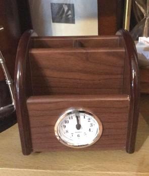 Set de birou - suport creioane cu ceas -model 2
