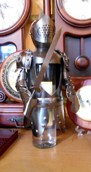 Suport pentru sticle din metal- cavaler