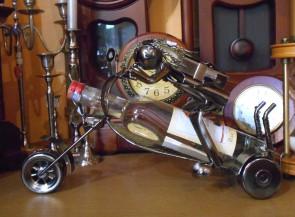 Suport pentru sticle din metal- motociclist -model I