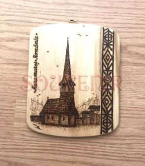 Placheta din lemn pirogravata cu biserica de lemn maramureseana