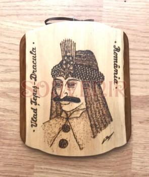 Placheta din lemn pirogravata cu Vlad Tepes - Dracula - tip 2